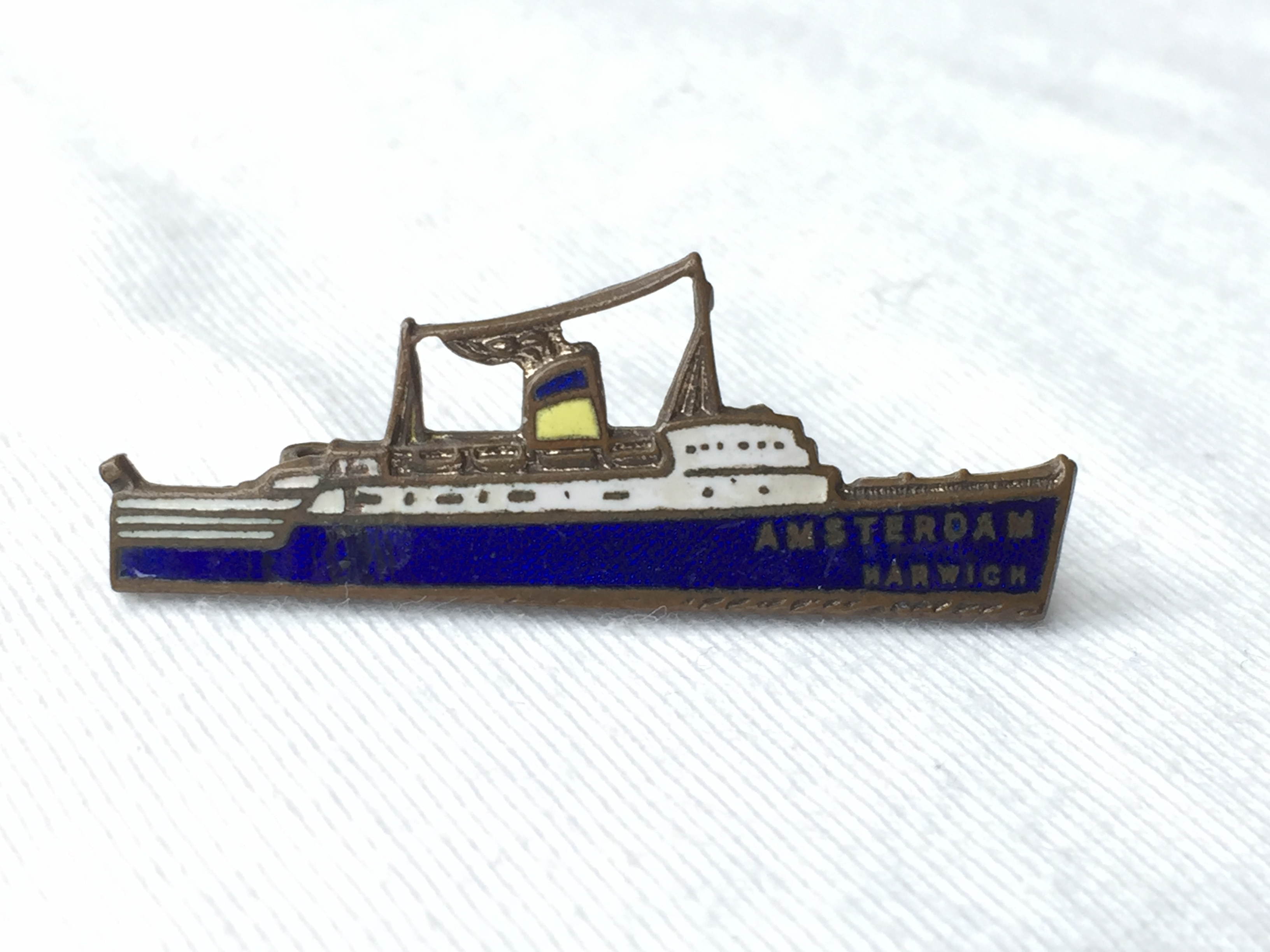 EARLY TYPE BRITISH RAIL SHIPPING COMPANY SHIP SHAPE BADGE OF THE VESSEL THE AMSTERDAM
