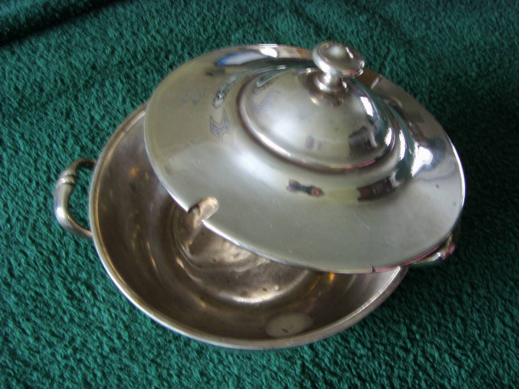 SUPERB VERY EARLY ANCHOR LINE AS USED ON BOARD SILVER SERVING DISH