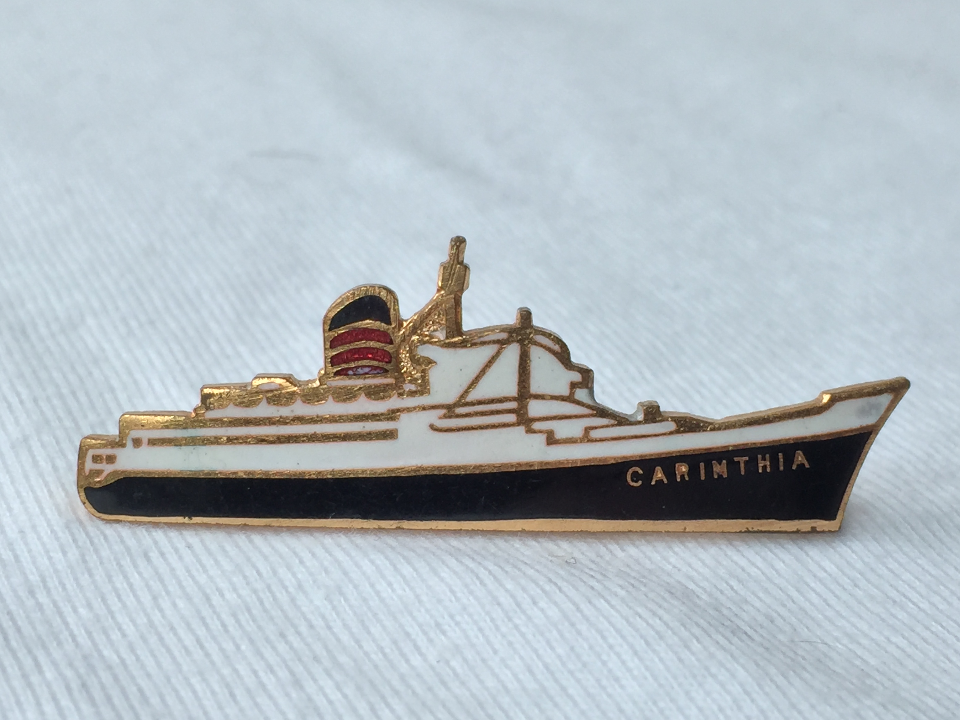 EARLY SHIP SHAPE LAPEL PIN FROM THE CUNARD LINE VESSEL THE CARINTHIA