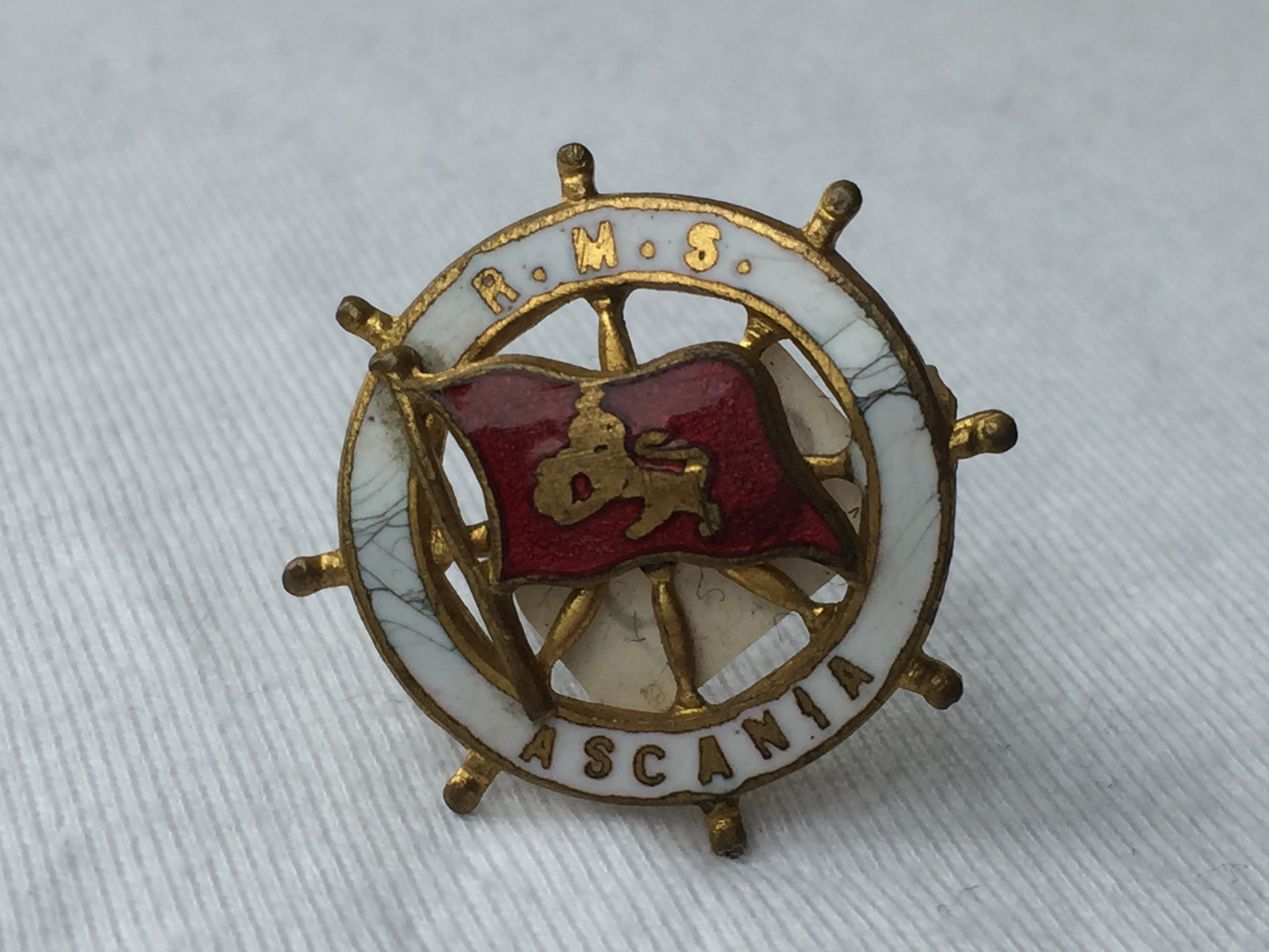 LAPEL PIN BADGE FROM THE CUNARD LINE VESSEL THE RMS ASCANIA