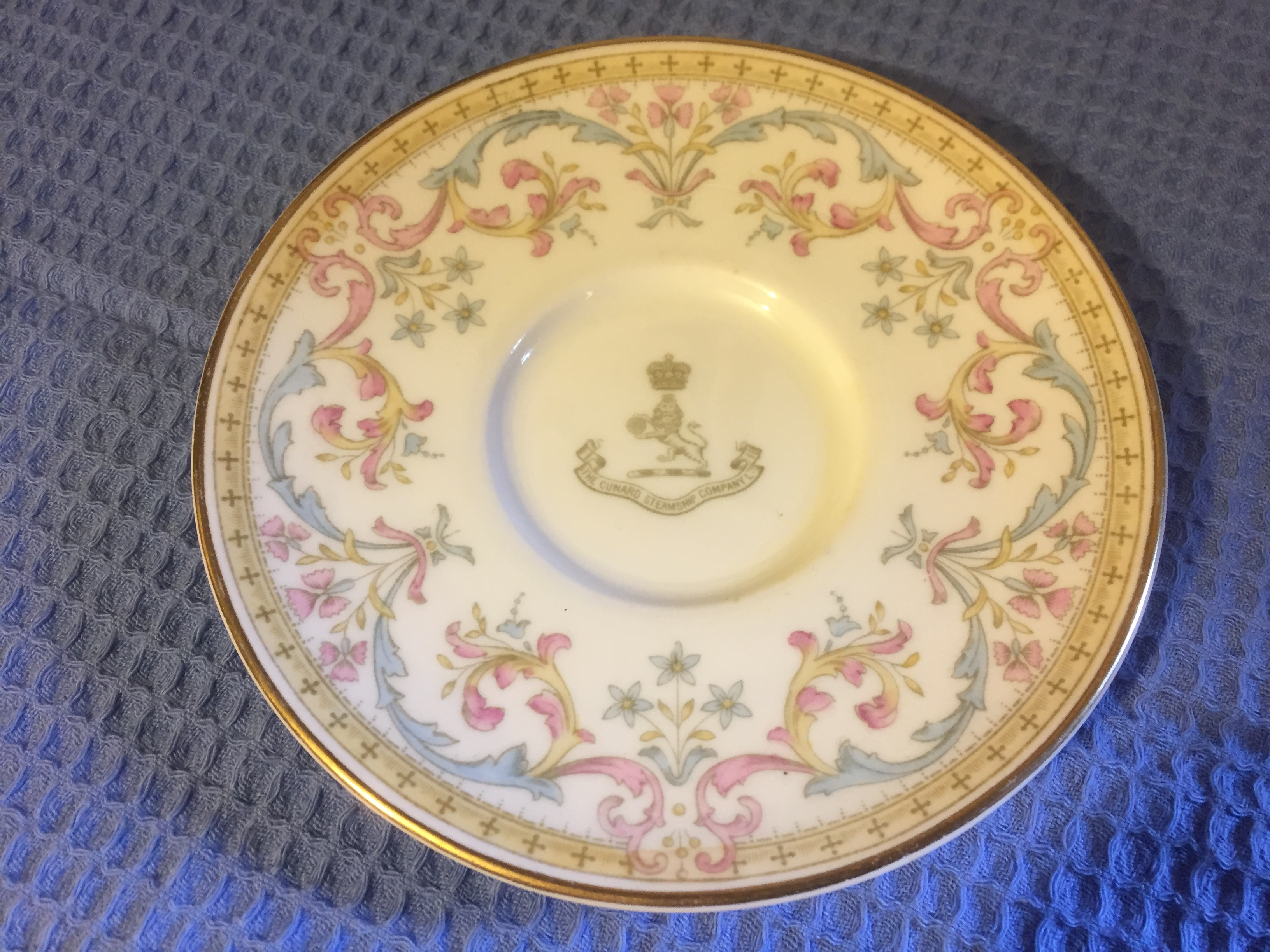 VERY RARE CUNARD LINE SAUCER PRODUCED IN ORIGINAL FIRST DESIGN STYLE