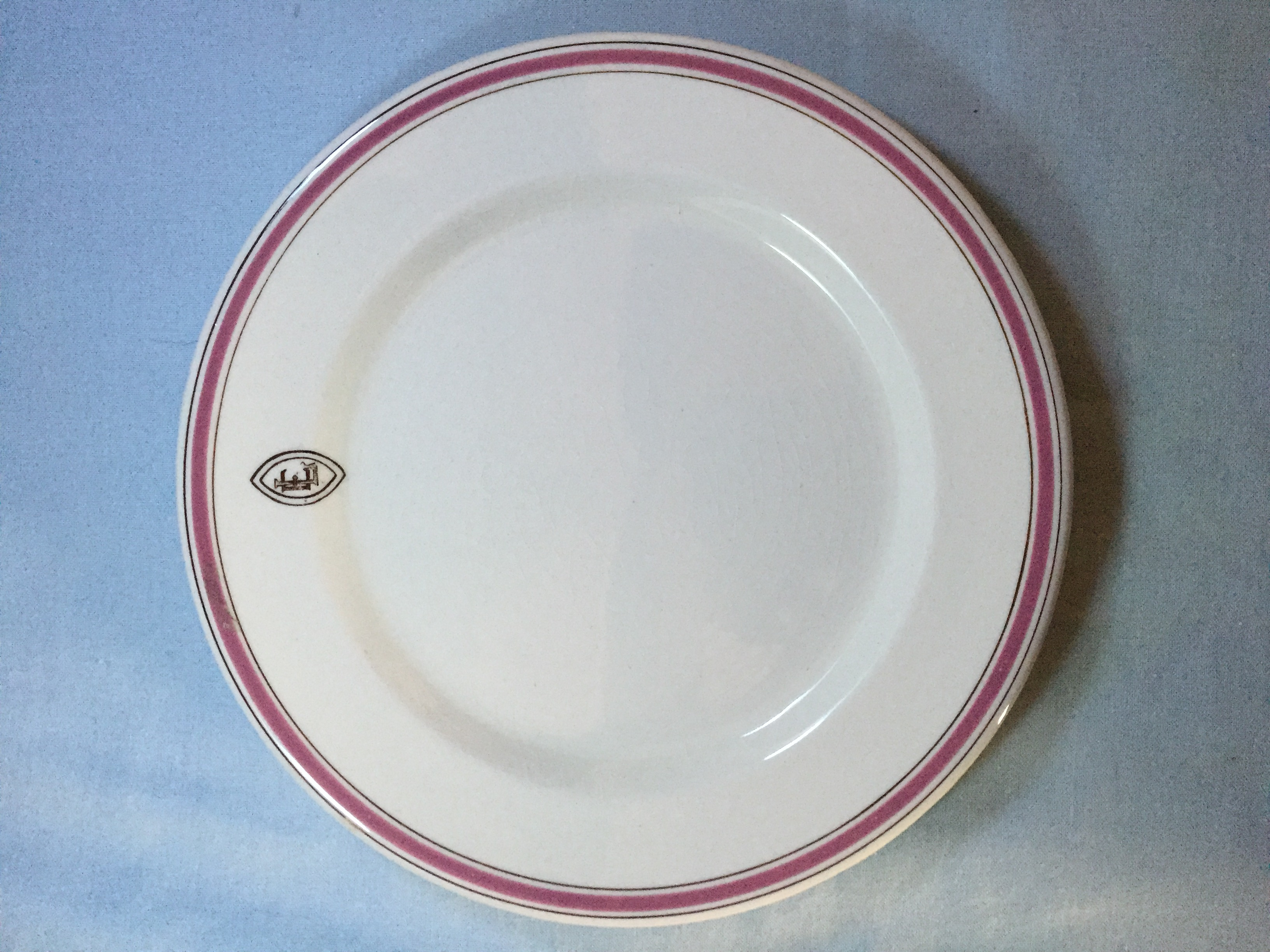 DINING SIDE PLATE FROM THE ELLERMAN LINE