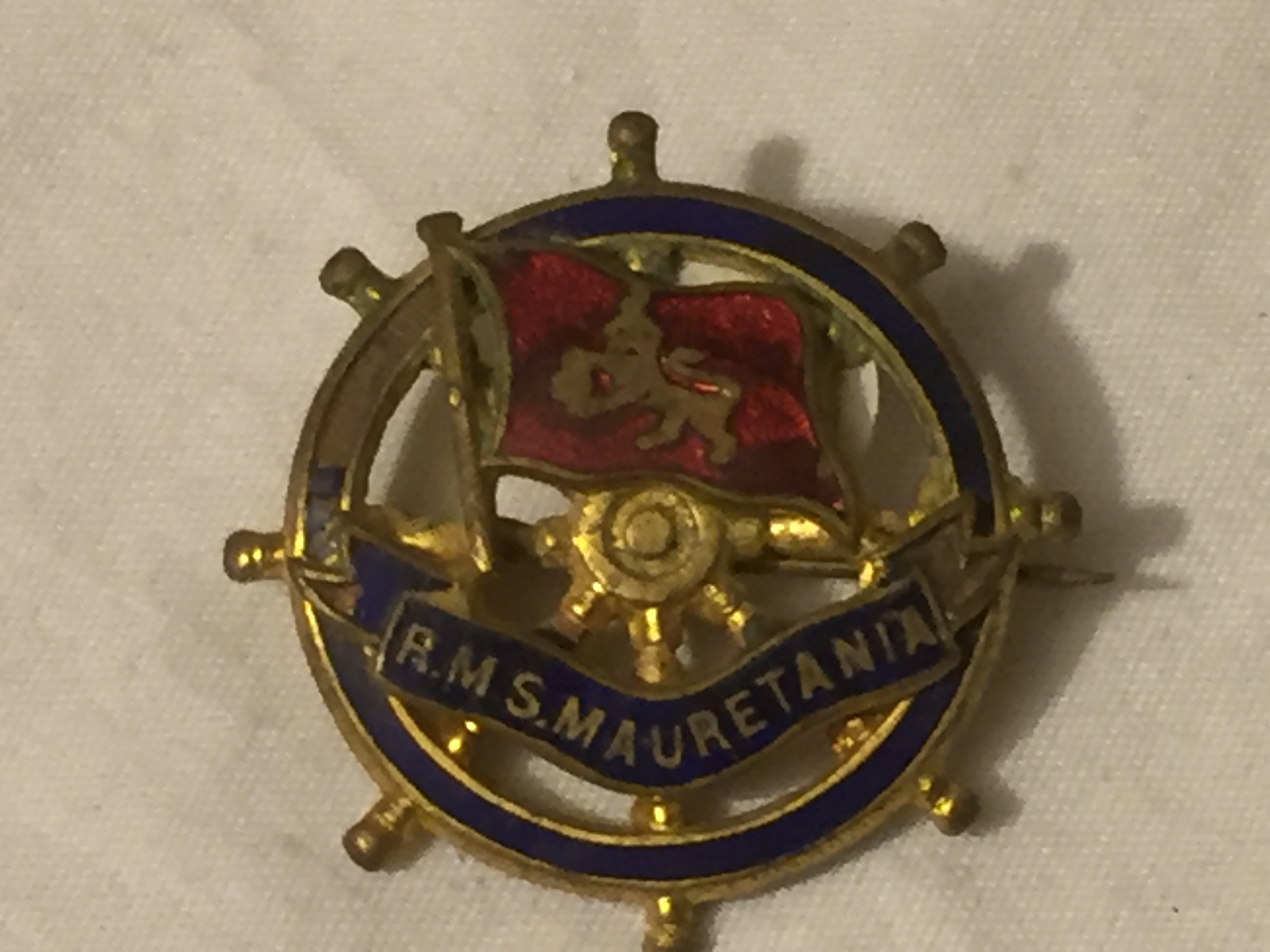 LAPEL PIN BADGE FROM THE VESSEL THE RMS MAURETANIA