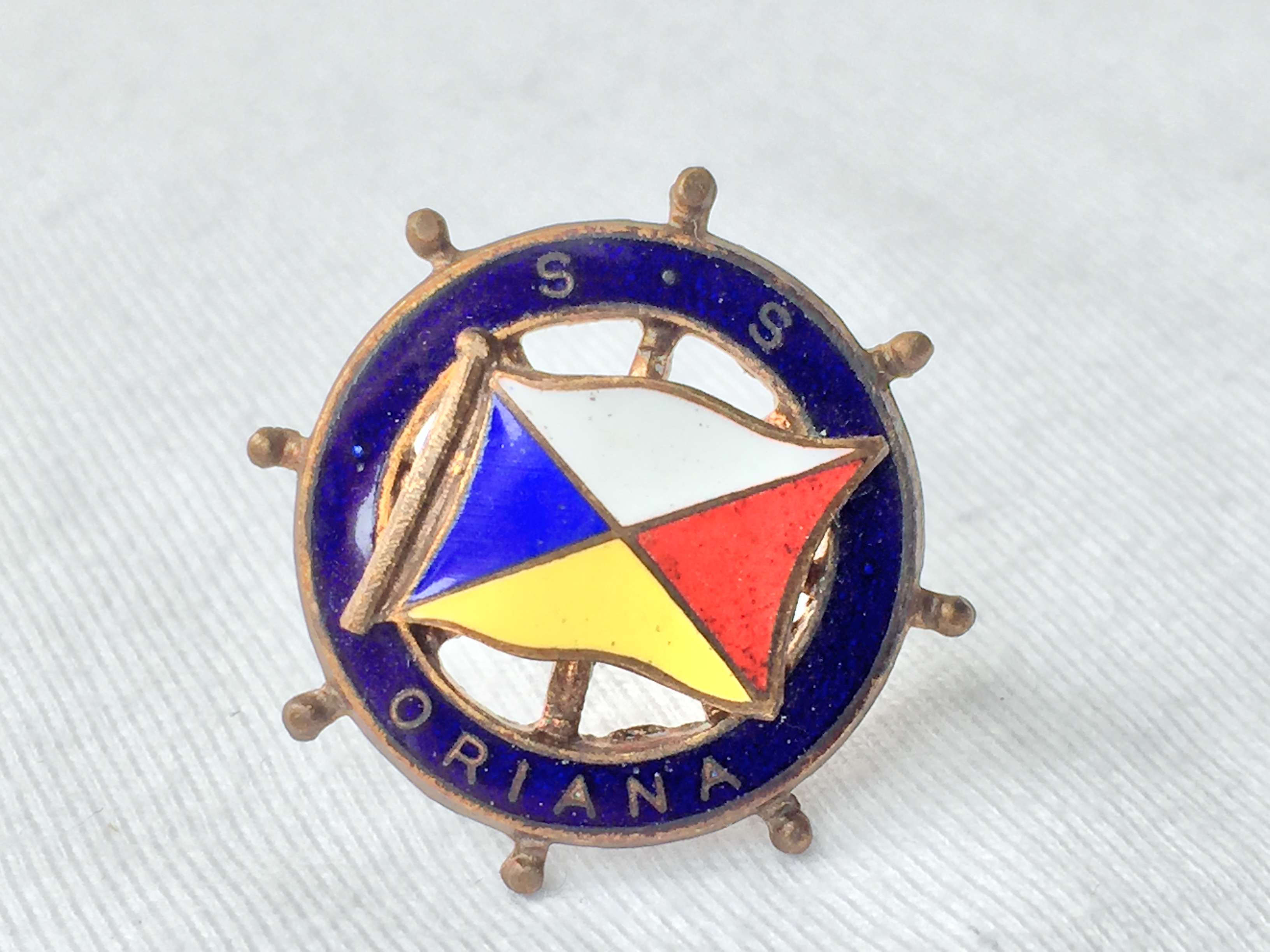 LAPEL PIN BADGE FROM THE ORIENT LINE VESSEL THE ORIANA 1960-1980