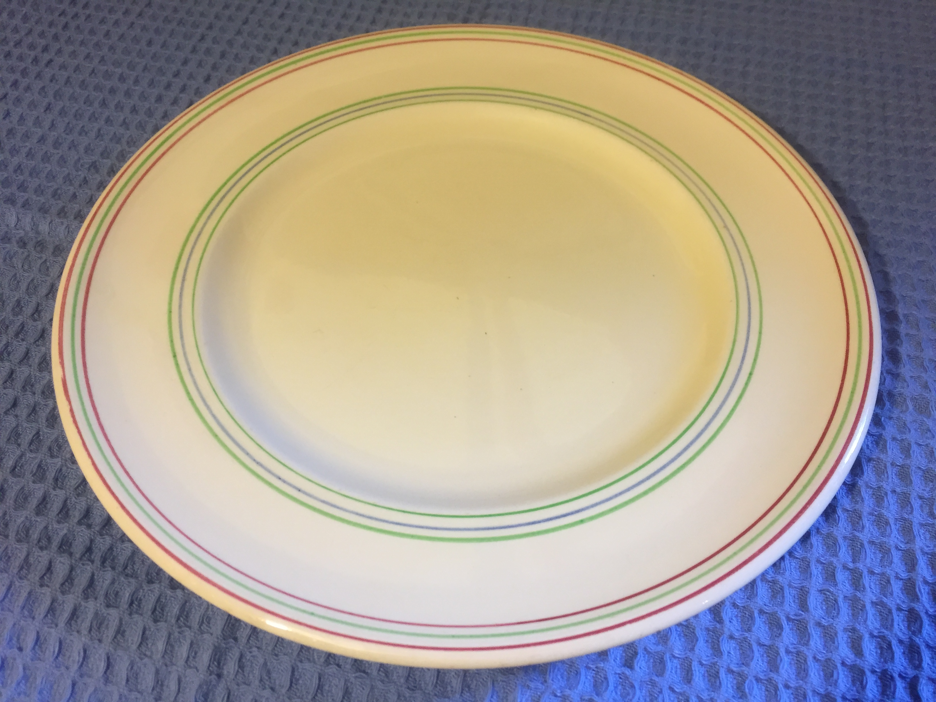 P&O LARGE SIZE DINNER PLATE PRODUCED IN THE EARLY TRADITIONAL DESIGN