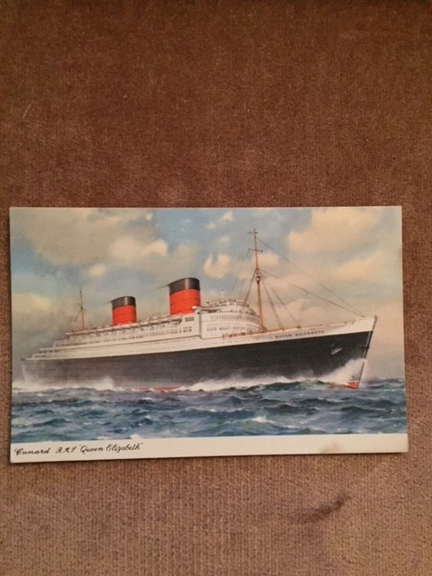 UNUSED COLOUR POSTCARD OF THE FAMOUS VESSEL THE RMS QUEEN ELIZABETH