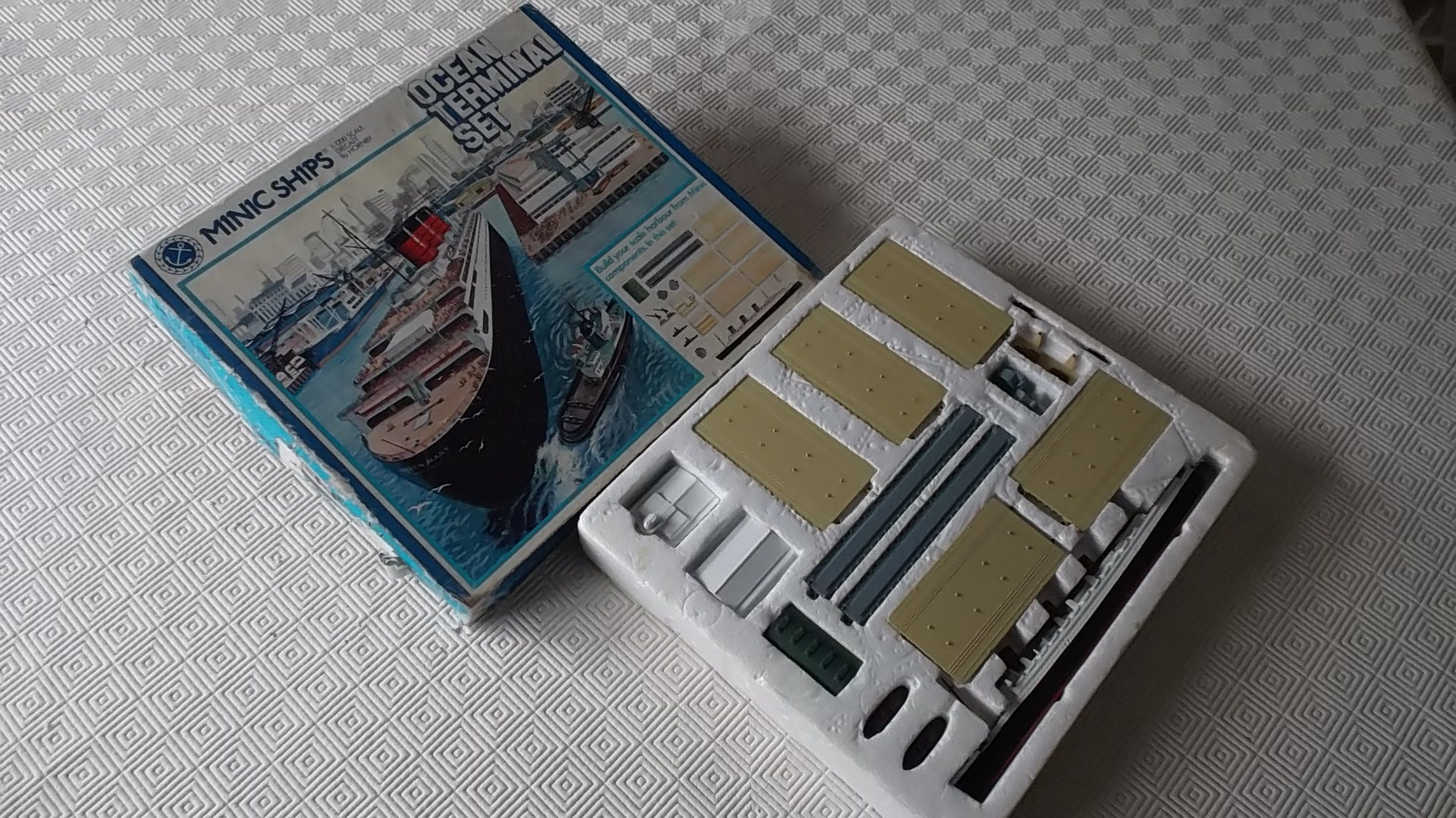RMS QUEEN MARY TERMINAL SET MADE FOR CHILDREN 1950/60