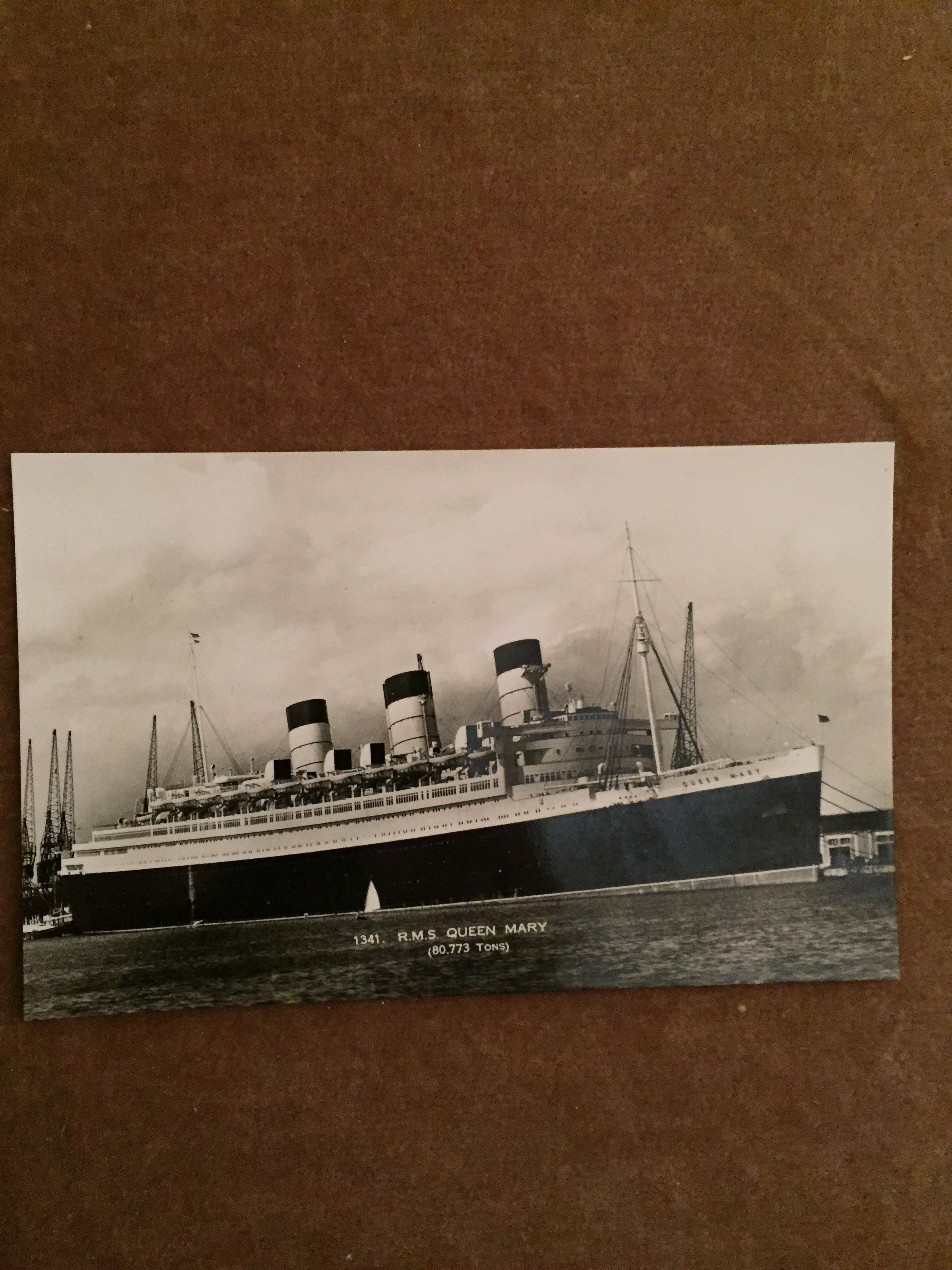 UNUSED B/W POSTCARD FROM THE VERY FAMOUS OLD CUNARD LINE VESSEL THE QUEEN MARY