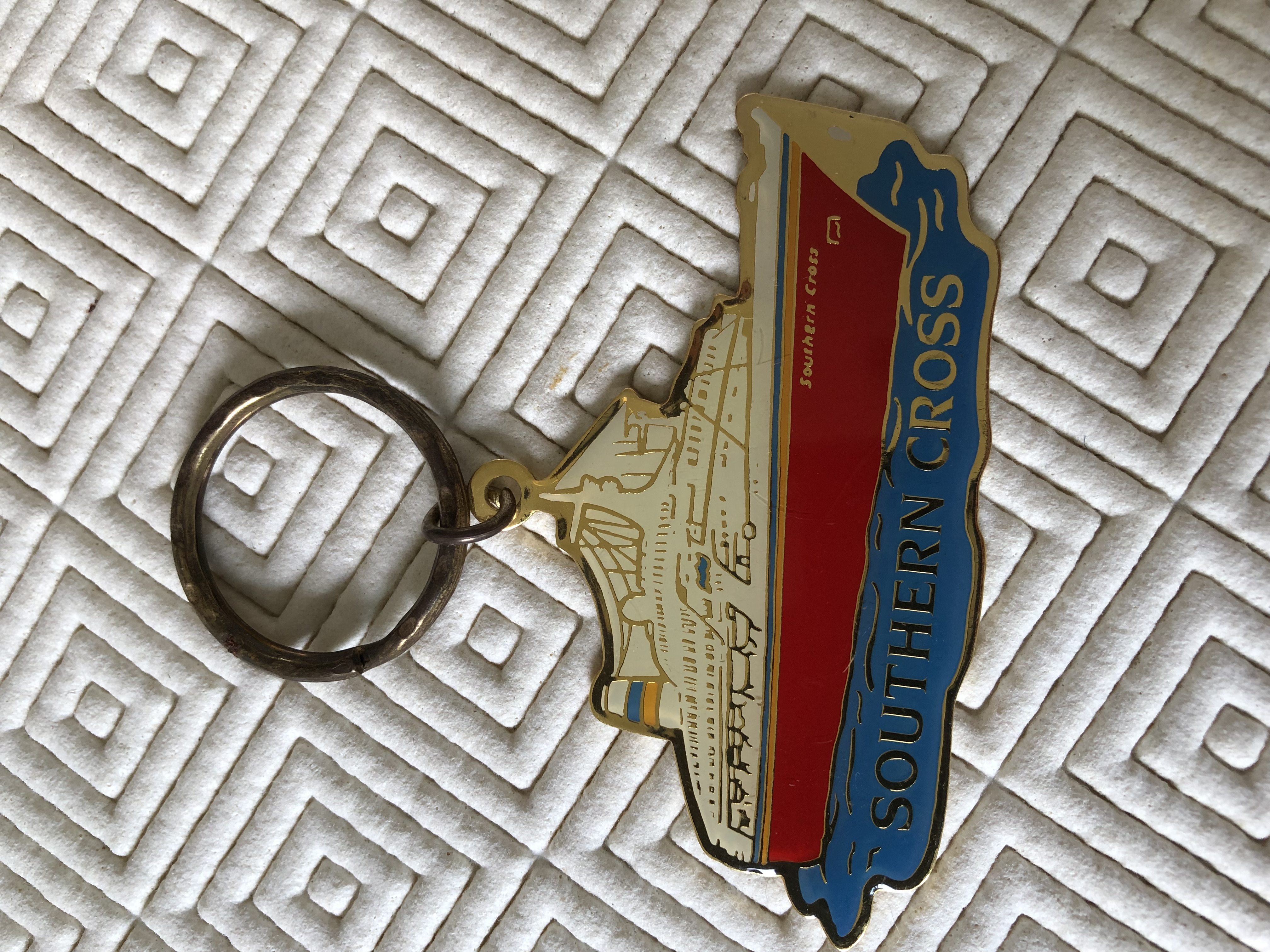 KEYRING SOUVENIR FROM THE SHAW SAVILL LINE VESSEL THE SOUTHERN CROSS