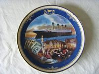 A TITANIC SOUVENIR PLATE FROM A LIMITED EDITION COLLECTION BY JAMES GRIFFIN