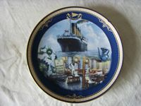 TITANIC SOUVENIR PLATE FROM A LIMITED EDITION COLLECTION BY JAMES GRIFFIN