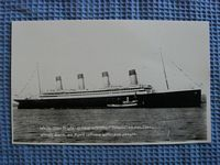 BLACK AND WHITE PHOTOGRAPH COPY OF THE TITANIC AT SEA