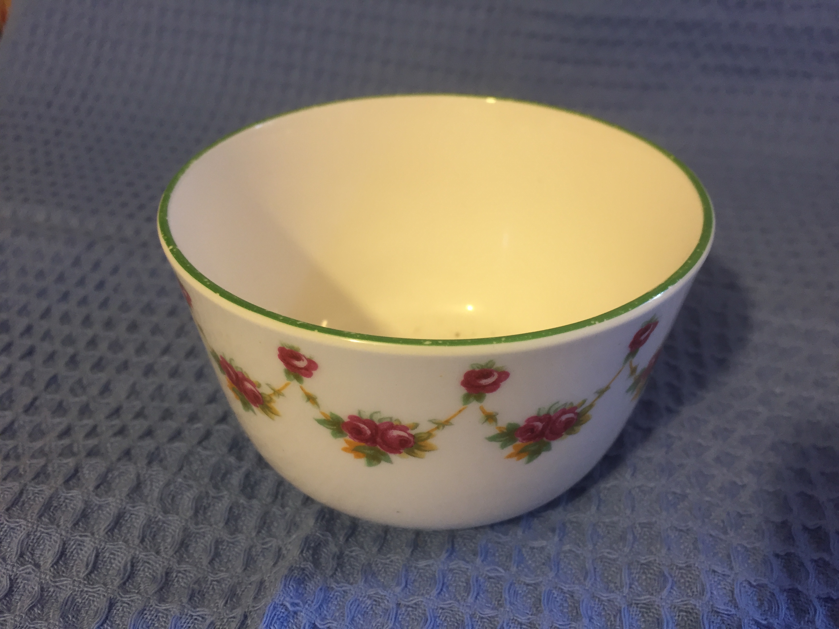 SUGAR BOWL IN DECORATIVE COMPANY PATTERN FROM THE UNION CASTLE LINE