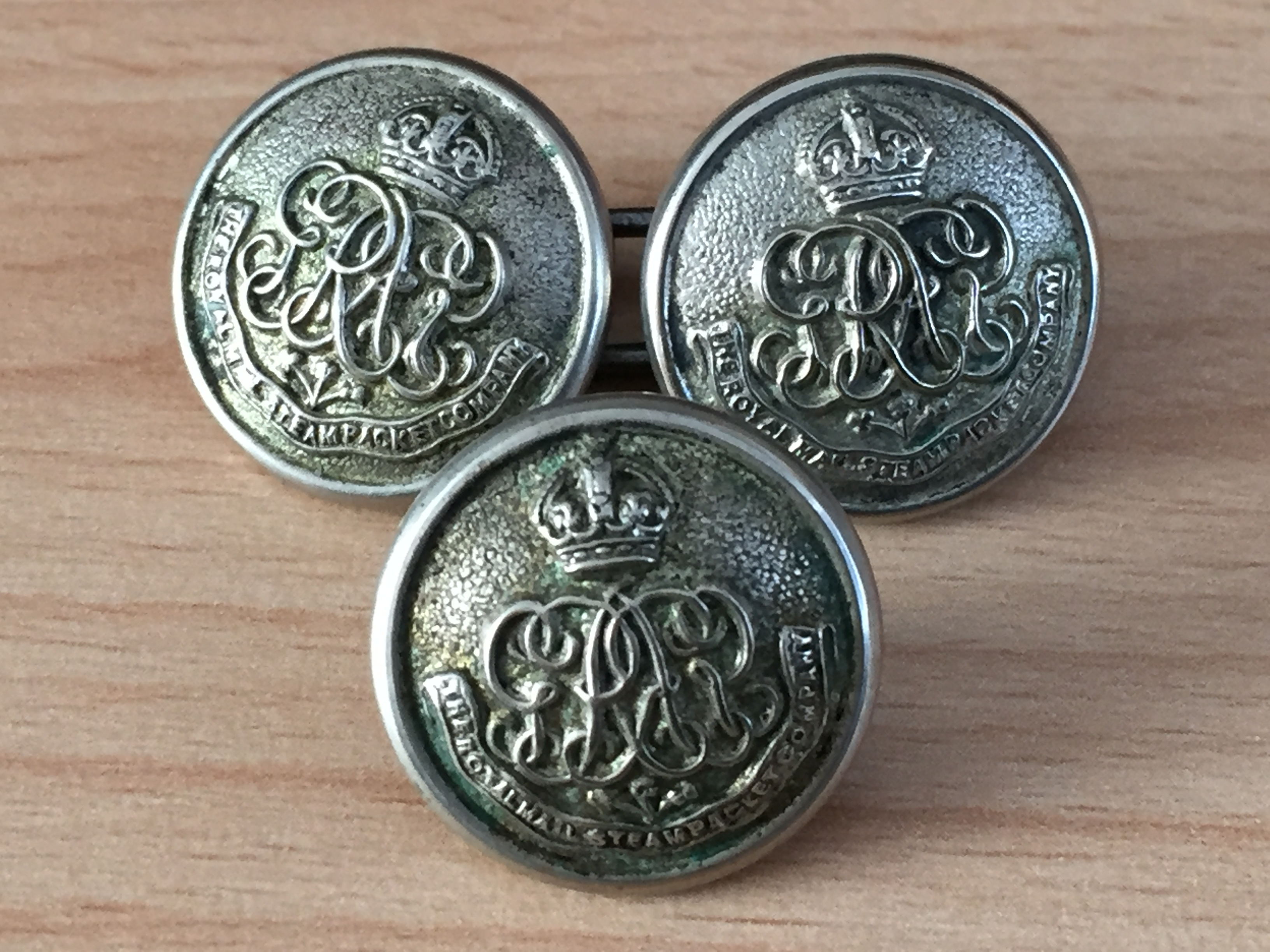 SET OF 3 VERY RARE TO FIND SILVER COLOURED OFFICERS COAT BUTTONS FROM THE ROYAL MAIL STEAM PACKET COMPANY