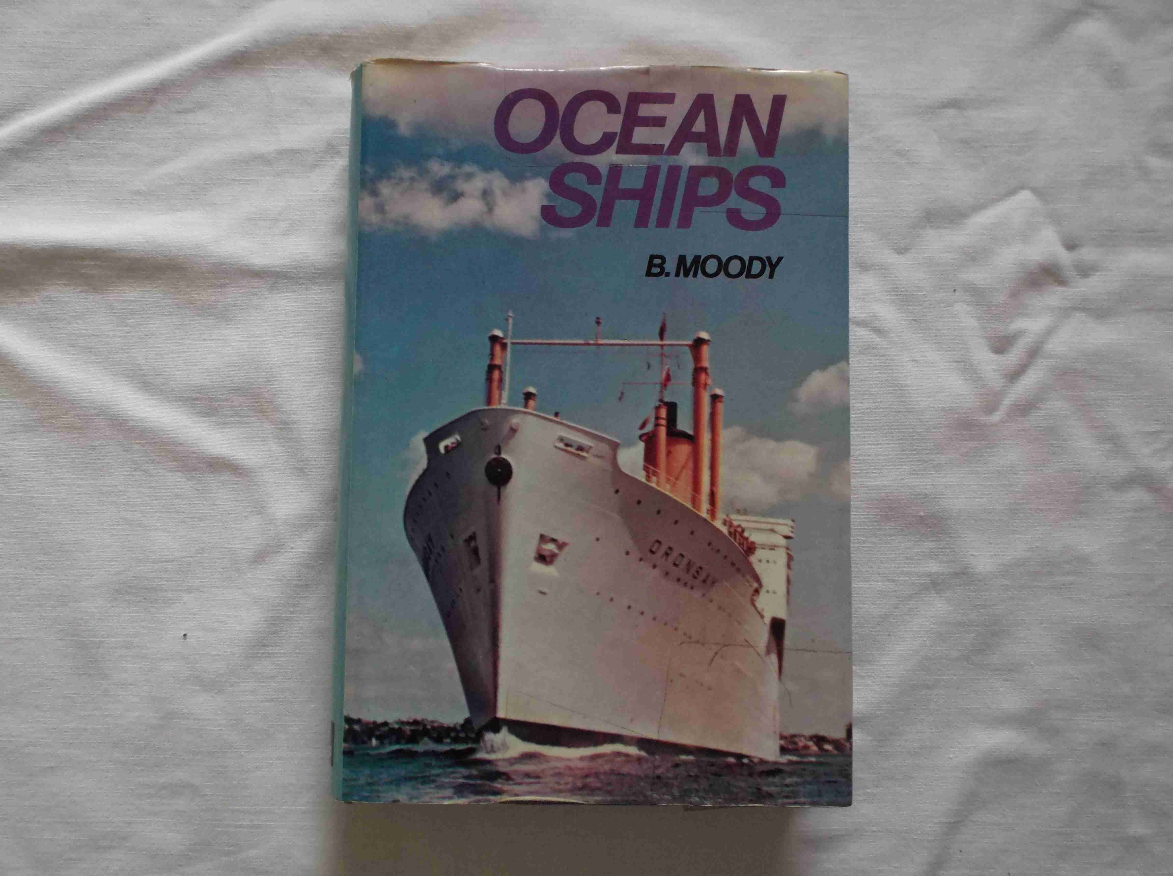 RARE MARITIME BOOK FROM THE 'OCEAN SHIPS' COLLECTION DATED 1971