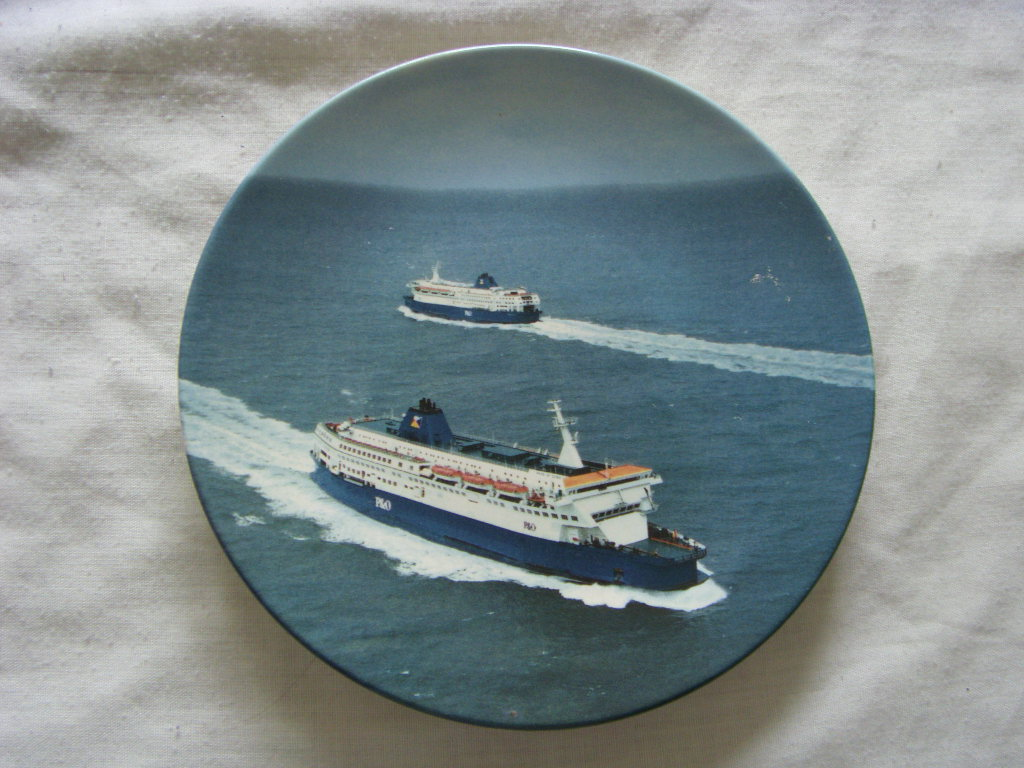 SOUVENIR POOLE CHINA P&O FERRIES DECORATIVE PLATE