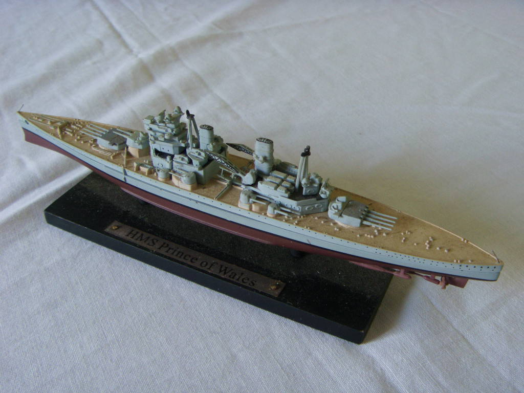 SCALE MODEL OF THE ROYAL NAVAL VESSEL HMS PRINCE OF WALES