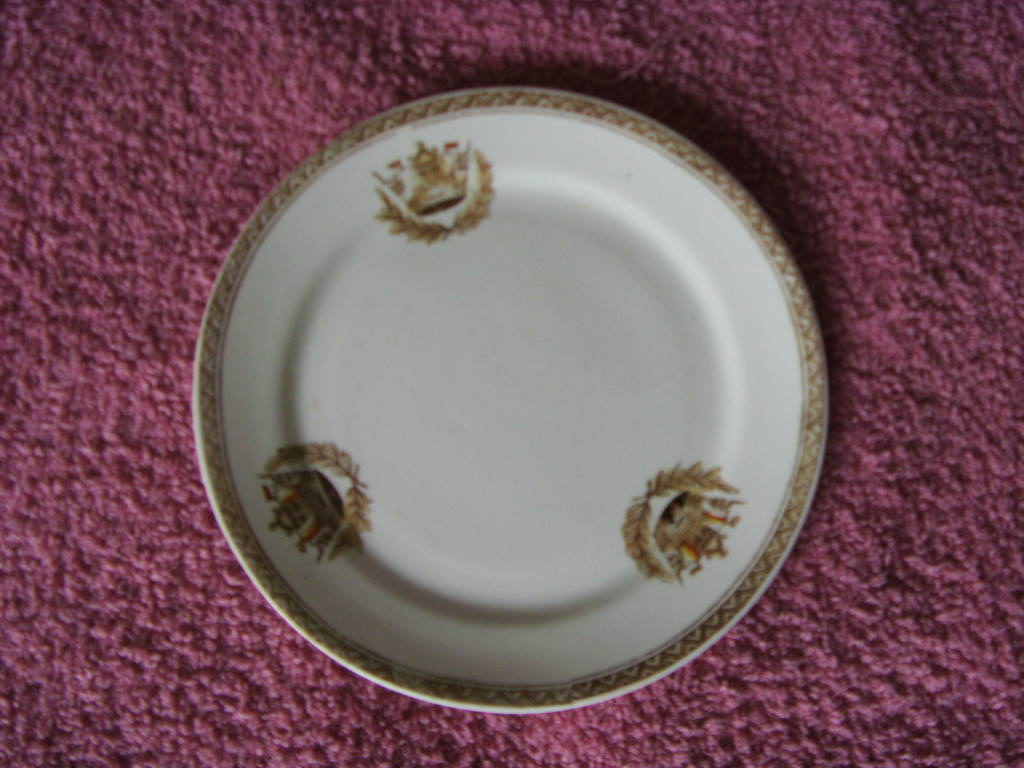 ORIGINAL VERY EARLY DINING SIDE PLATE FROM THE ROYAL NAVY CIRCA 1900's