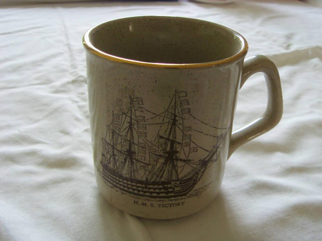 SOUVENIR MUG OF THE VESSEL HMS VICTORY