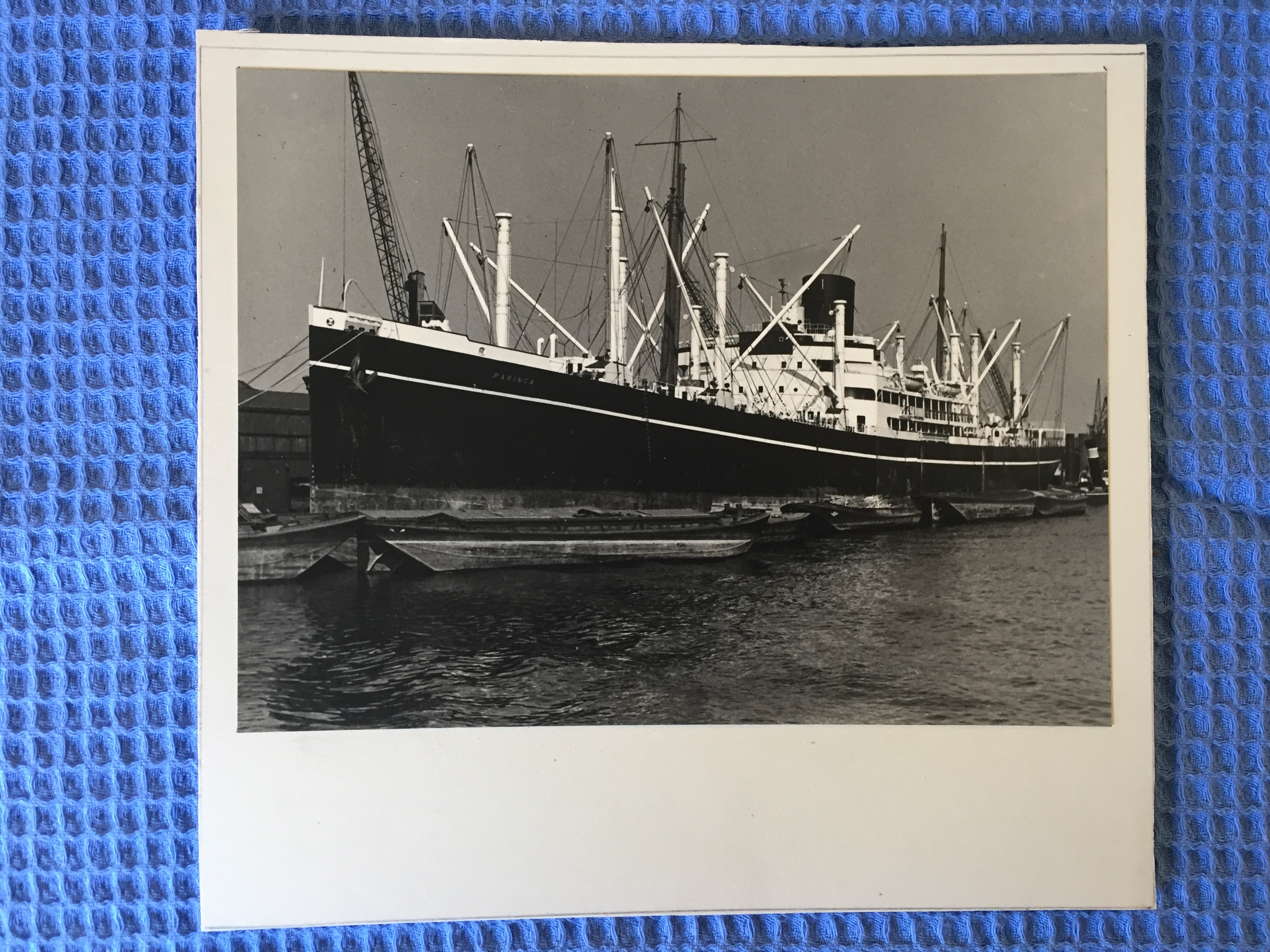 EARLY B/W PHOTOGRAPH OF THE P&O LINE VESSEL THE PARINGA