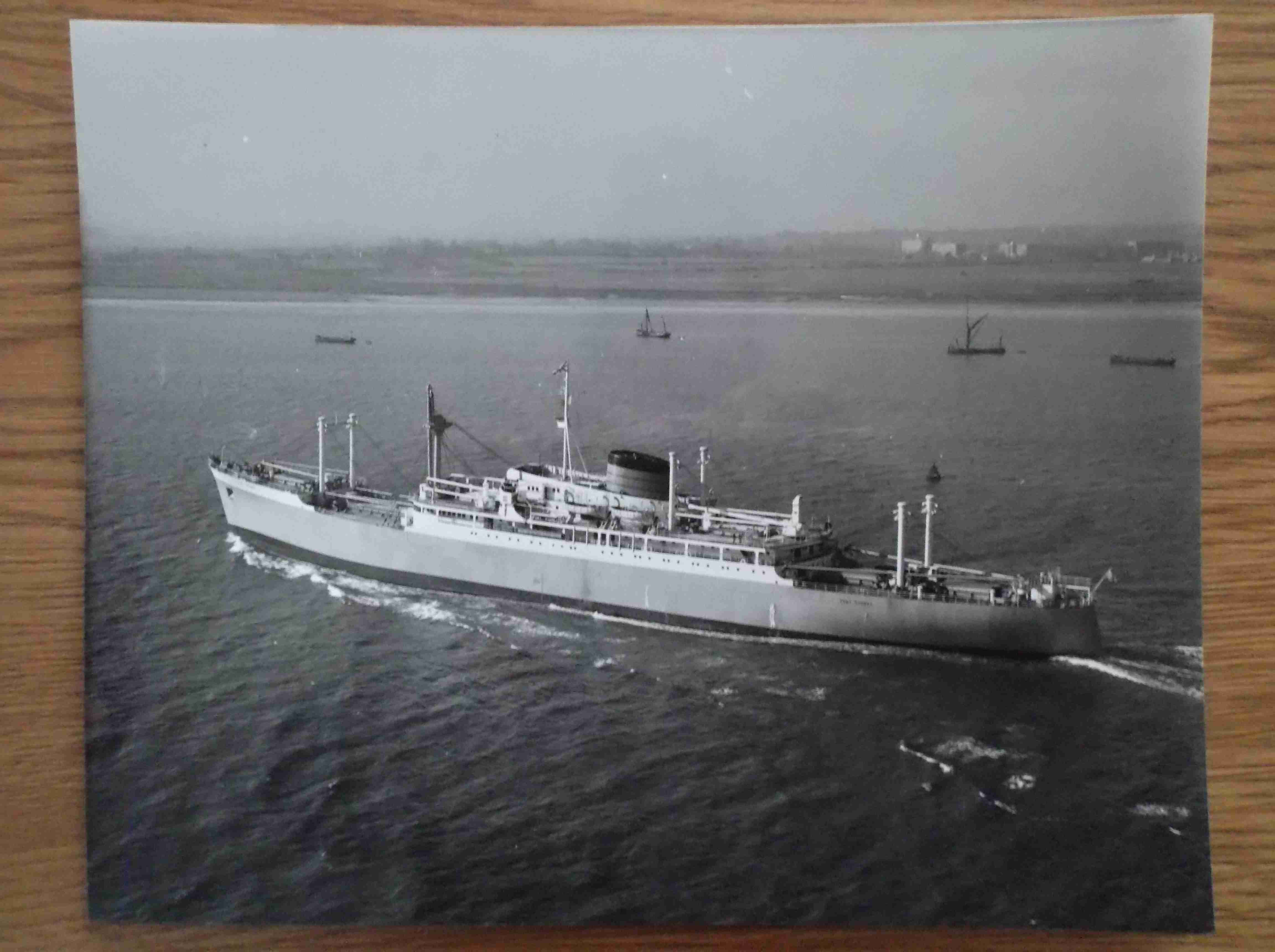 LARGE B/W PHOTOGRAPH OF THE PORT LINE VESSEL THE PORT SYDNEY