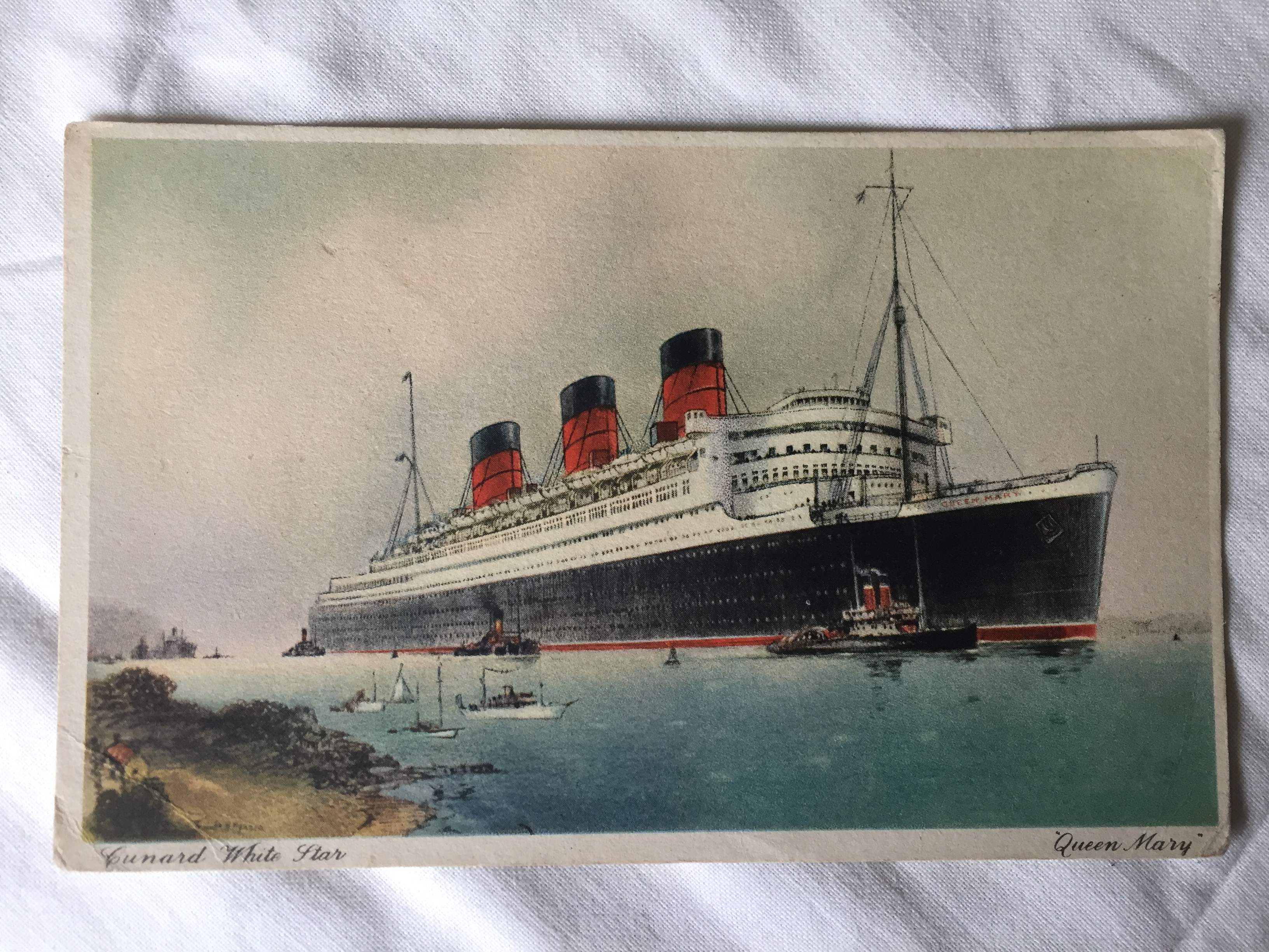 UNUSED COLOUR POSTCARD FROM THE RMS QUEEN MARY