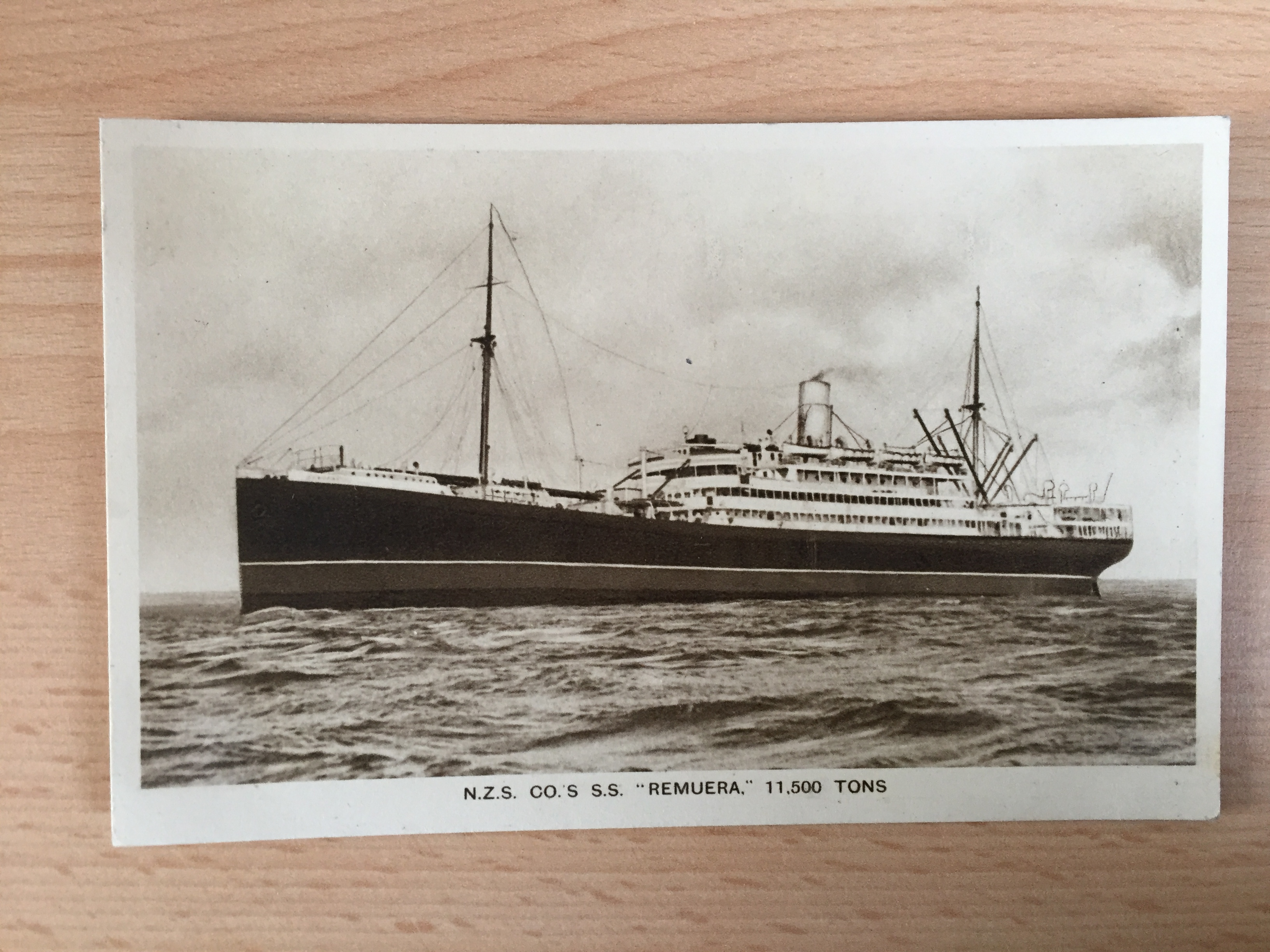 EARLY UNUSED B/W POSTCARD FROM THE VESSEL THE SS REMUERA FROM THE NZSSCo